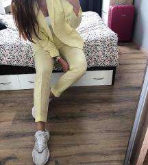 mango žuto odijelo