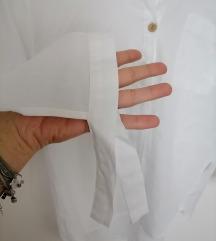 Fina tanka bijela košulja