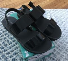Nove Zaxy sandale 40