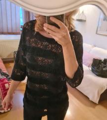 Crna bluza s cipkom i resama