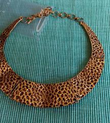 Ogrlica zlatne boje