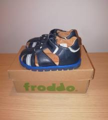 Froddo Medium Fit, nove sandale za dečke, nenošene