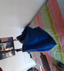Veca plava torba