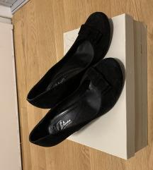 bata crne cipele