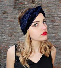 Novi plavi turban od baršuna