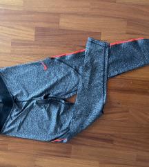 Sive Nike tajce