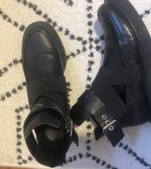Zara kozne cizme 39