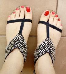 Crne sandale - %20 kn%