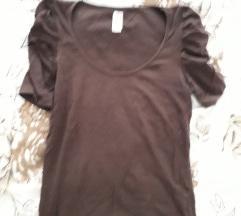 Smeđa majica sa nabranim rukavima