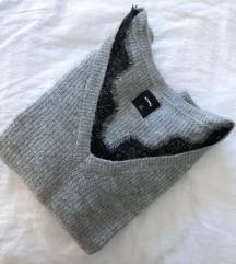 Zimski džemper sa čipkastim porubom
