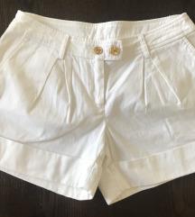 bijele shorts-M