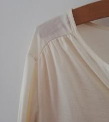 Prljavo bijela svilena bluza