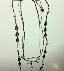 Dugacka neobicna ogrlica
