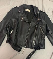 Bershka crna kozna jakna