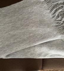 H&M sivi debeli šal