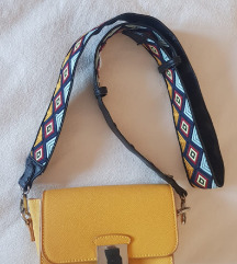 žuta ZARA torbica sa remenom