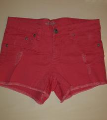 Kratke roze hlačice