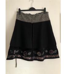 Vunena suknja/uključena poštarina
