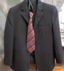 Trodjelno dječje odjelo sa kravatom za svečanosti
