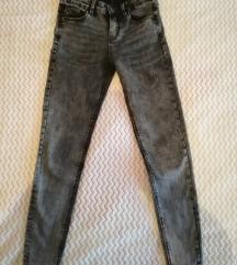 Svijetlo- crne traper hlače
