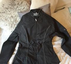 Lot sportskih jakni za trening
