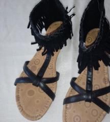 Crne sandale s resicama, NOVO, PT U CIJENI