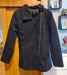 Ženski crni kaput