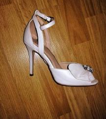 Bijele štikle sandale