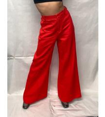 Zara crvene hlače