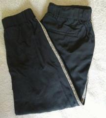 Sportske hlače sa svjetlucavim bočnim trakama