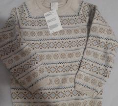 Hm pulover s etiketom