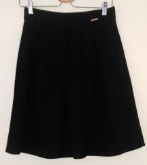 Crna suknja, skater, 38