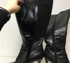 Velike crne čizme xxx