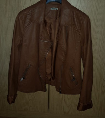 Smeđa kožna jakna