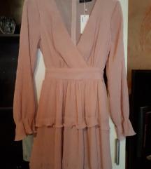 Nova nude roza haljina s etiketom 40
