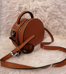 Nova stradivarius torbica