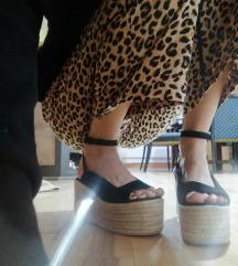 Nove platform sandale