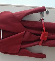Crveni lagani kaputić
