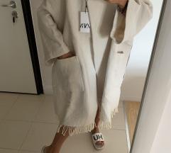 Zara vuneni kaput sa resama