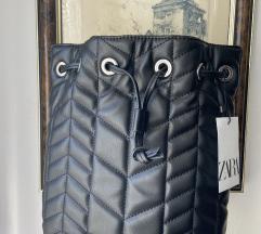 Zara kožni ruksak