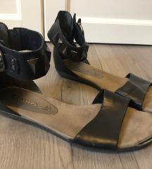 Tamaris sandale sa zakovicama