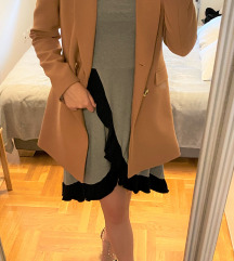 WGW siva haljina s volanima S