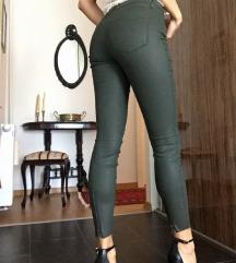 Zara nove hlače. vel xs