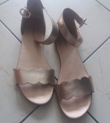 Hm niove sandale