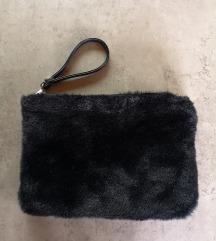 STRADIVARIUS krznena crna torba