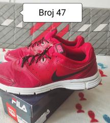 Nike Revolution broj 47