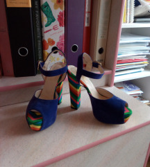 Nove štikle s potpeticom like Valnetino