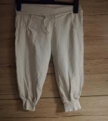 Bijele sportske hlače