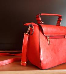 Nova manja crvena torba