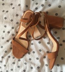 Stradivarius sandale na petu s pt